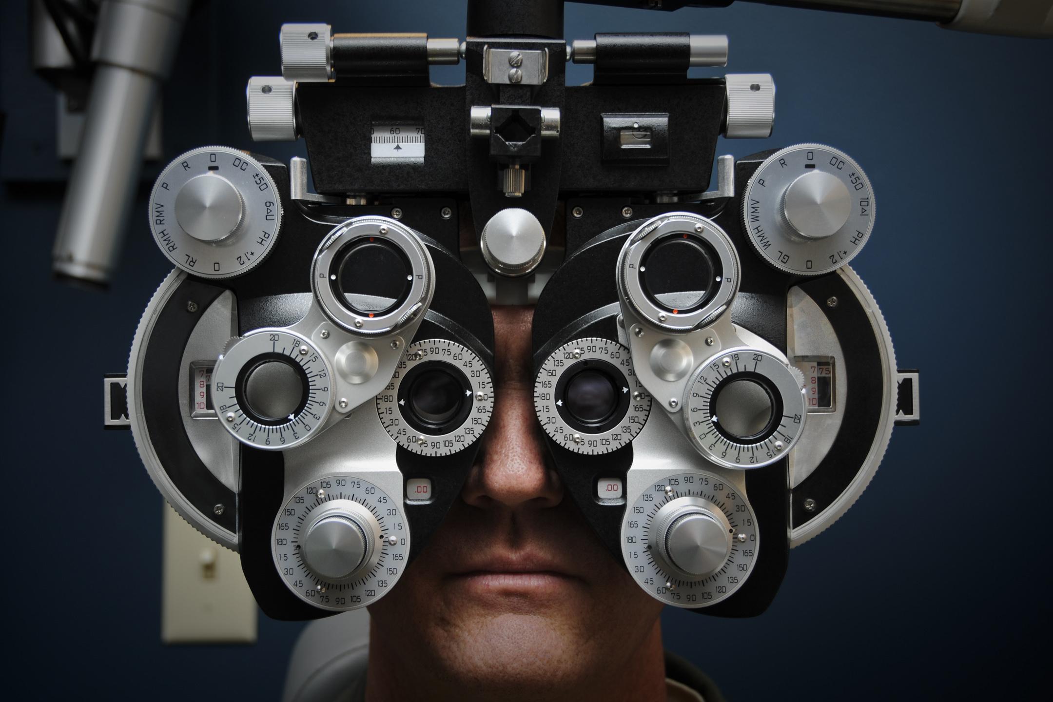 Rosszul látok? – Most mit tegyek?   Optika Plus